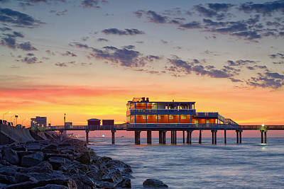 Sunrise At The Pier - Galveston Texas Gulf Coast Art Print