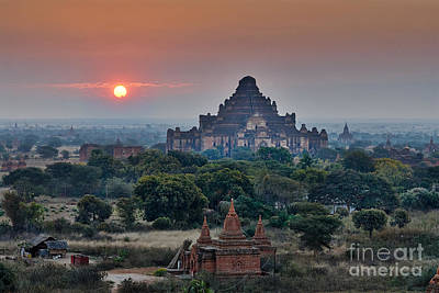 sunrise over Bagan Art Print by Juergen Ritterbach