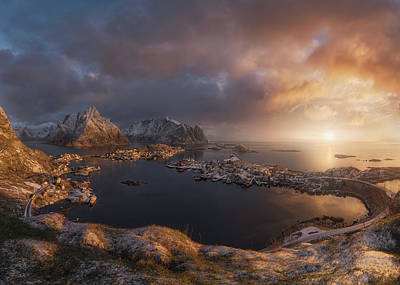 Norway Wall Art - Photograph - Sunrise Over Reine by Inigo Cia
