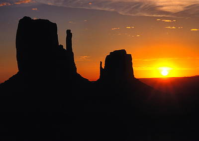 Sunrise Over The Mittens In Monument Valley Art Print