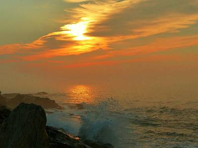 Photograph - Sunrise Splash by Elaine Franklin