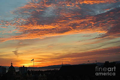 Photograph - Sunset  - Victoria Bc by Sharron Cuthbertson