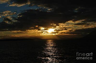 Photograph - Sunset 3 - Thieves Bay by Sharron Cuthbertson