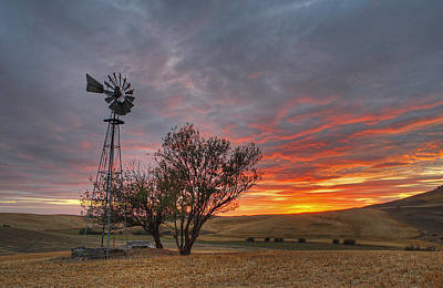Photograph - Fall Sunset And Windmill by Doug Davidson