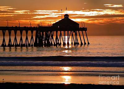 Sunset At Ib Pier Art Print by Barbie Corbett-Newmin