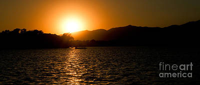 Art Print featuring the photograph Sunset At Kunming Lake by Yew Kwang