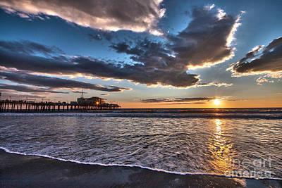 Sunset At Santa Monica. Art Print