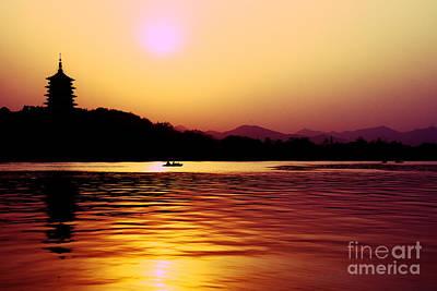 Photograph - Sunset At West Lake by Yew Kwang