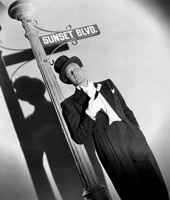 1950 Movies Photograph - Sunset Boulevard, William Holden 1950 by Everett