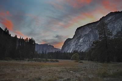 Sunset In Yosemite Valley Art Print