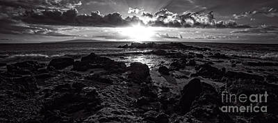Photograph - Sunset Maui Hawaii by Edward Fielding