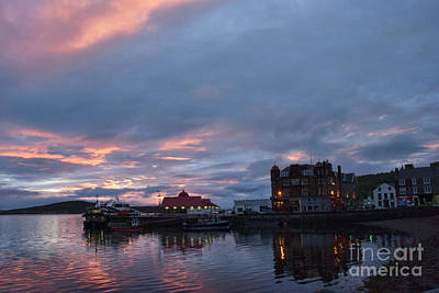 Photograph - Sunset Oban Scotland by Juli Scalzi