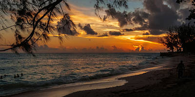 Photograph - Sunset On Paradise by Garvin Hunter