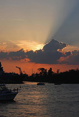 Photograph - Sunset Over The Cape Fear by Suzanne Gaff