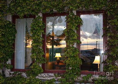 Photograph - Sunset Reflection On Empress Window by Carol Groenen