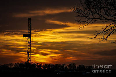 Photograph - Sunset Rig 1 by Jim McCain