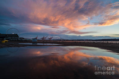 Seattle Waterfront Photograph - Sunset Skies And The Wheel by Mike Reid