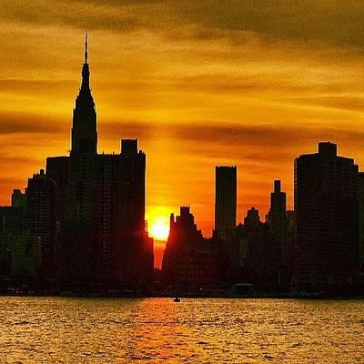 New York City Skyline Wall Art - Photograph - Sunset Skyline by Ronalyn F