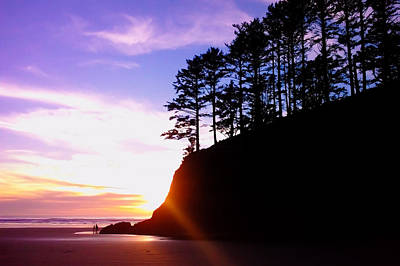 Photograph - Sunset Walk At Chapman Point by Joseph Bowman