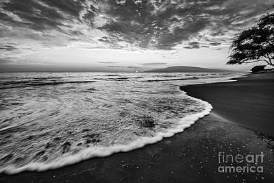 Sunset Waves On Lahaina Art Print