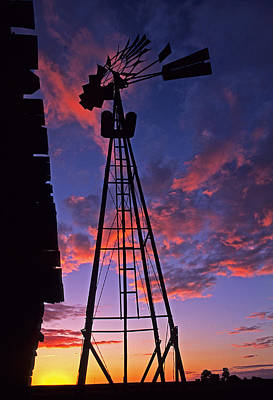 Photograph - Sunset Windmill by Doug Davidson