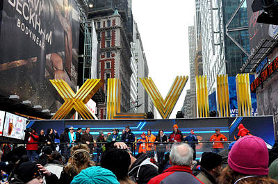 Super Bowl Xlviii Photograph - Super Bowl Xlviii In Times Square by Diane Lent