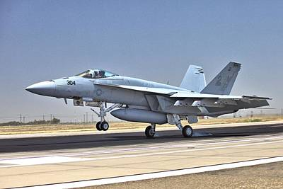 Photograph - Super Hornet Arriving by Gordon Elwell