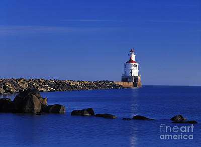 Photograph - Superior South Lighthouse - Fm000036 by Daniel Dempster