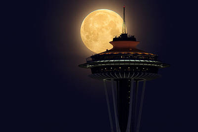 Supermoon 2012 Art Print by Quynh Ton