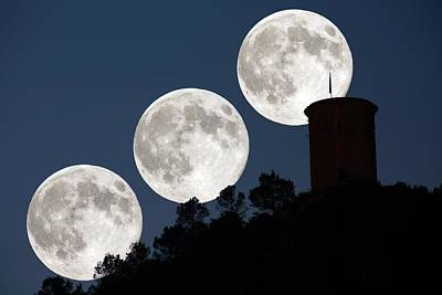 Supermoon Photograph - Supermoon by Juan Carlos Casado (starryearth.com)