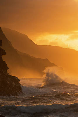 Splashing In The Tide Photograph - Surf Breaks On The Na Pali Coast by Carl Johnson
