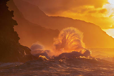 Splashing In The Tide Photograph - Surf Crashes On The Na Pali Coast by Carl Johnson