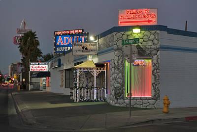 Las Vegas Wedding Photograph - Sweethearts Wedding Chapel by Daniel Furon