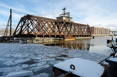 Photograph - Swinging Trestle  Milwaukee 3rd Ward by Susan McMenamin