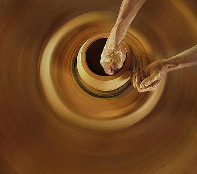 Spinning Photograph - Swivelling And Shape by Dodyherawan