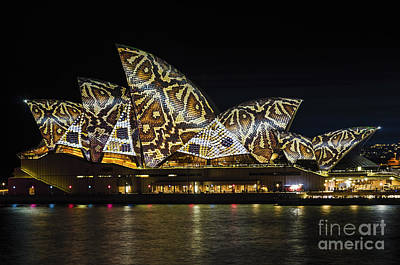 Lightshow Photograph - Sydney Vivid 20 by Paul Woodford