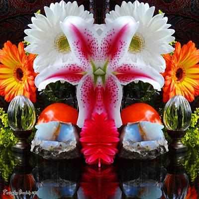 Symmetric Life. Flowers. 2013 80/80 Cm.  Art Print