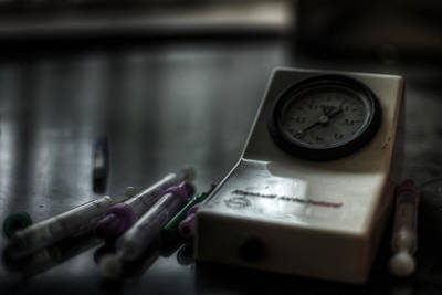 Digital Art - Syringe And Gauge   by Nathan Wright
