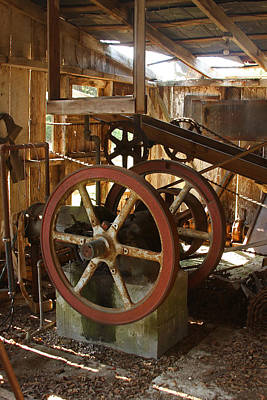 Photograph - Syrup Mill Gears by Ronald Olivier