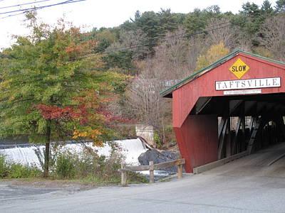 Taftsville Photograph - Taftsville Covered Bridge Vermont by Barbara McDevitt