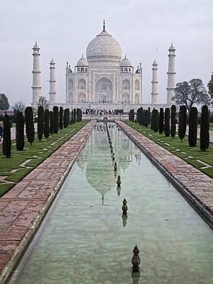 Taj Mahal Early Morning Art Print by John Hansen