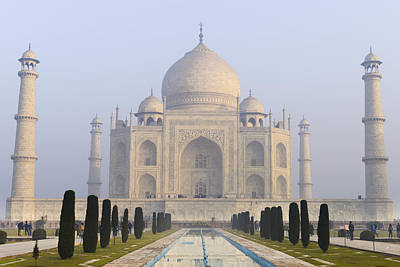 Photograph - Taj Mahal In The Morning With Haze In The Sky by Brandon Bourdages