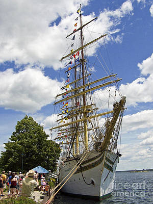 Photograph - Tall Ship 3 by Tom Doud