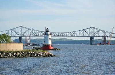Tarrytown Lighthouse Art Print by Karen Silvestri