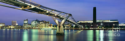 City Scapes Photograph - Tate Modern And Millennium Bridge by Rod McLean