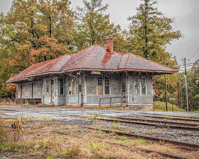 Photograph - Tate Station by Erwin Spinner