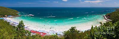 Tawaen Beach Original by Atiketta Sangasaeng