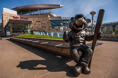 T.c. Statue And Target Field Art Print