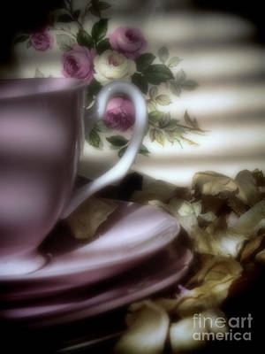 Tea Cups And Roses Art Print by Karen Lewis