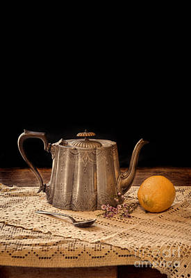 Photograph - Teapot With Lemon by Jill Battaglia